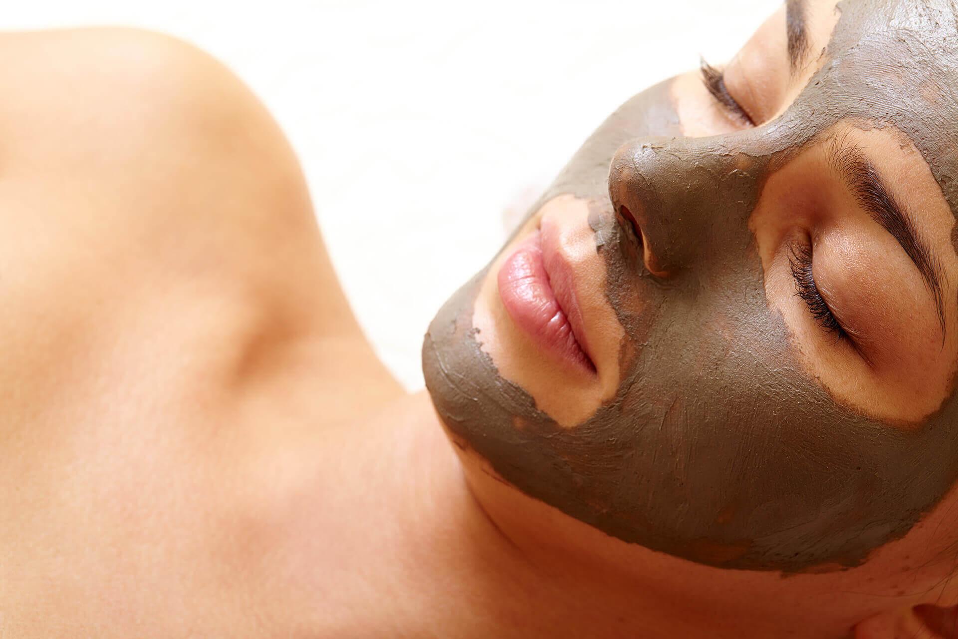massage - Majesitc woman Mud Mask 1 - Home