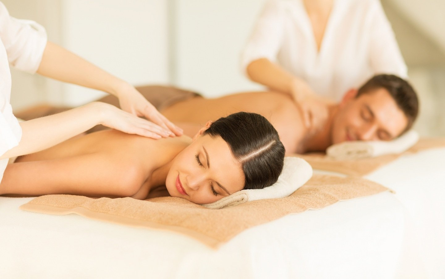 spa services - massage couple wallpaper 2035643508 - Spa Packages COUPLES MASSAGE